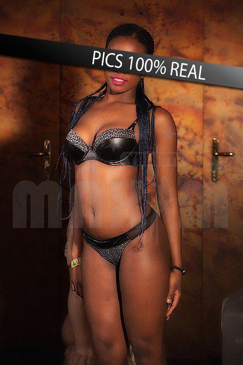 Sophia in sexy lingerie in strippclub Wien Maxim
