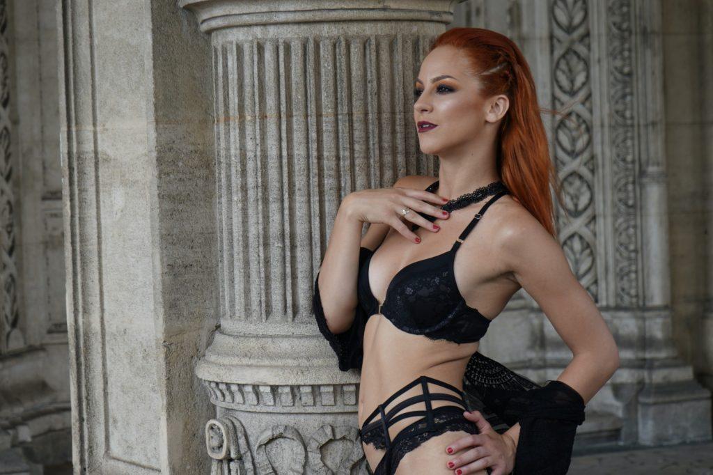 Pornstar Wien Maxim Girl Daisy bzw. Miss Daisy Diamond im Nightclub Maxim Wien