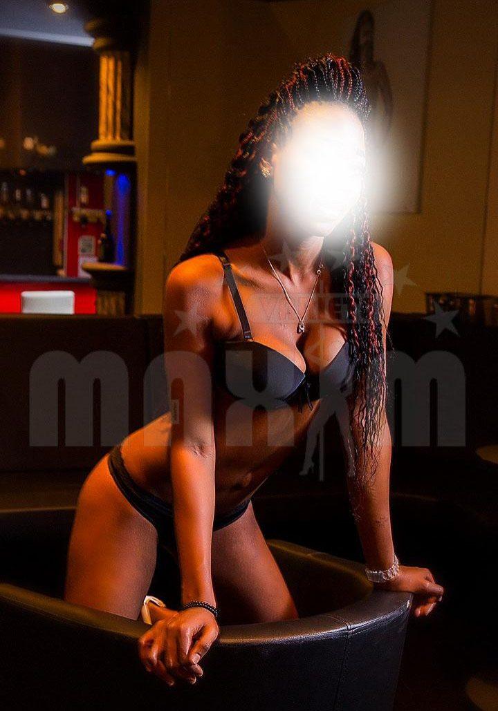 Annabelle in sexy lingerie in Vienna nightclub Maxim